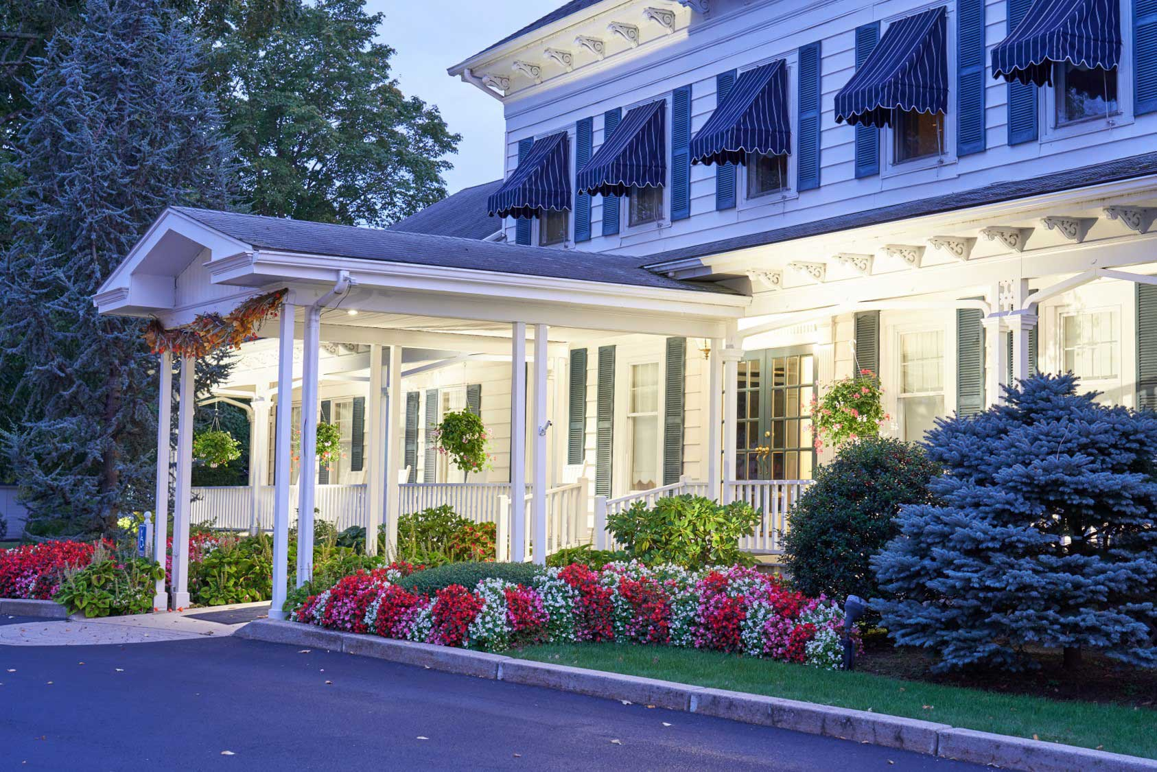 Anderson Winfield Funeral Home - Exterior